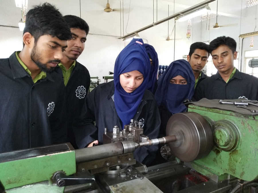 Course Image Perform Lathe Operations (Basic)